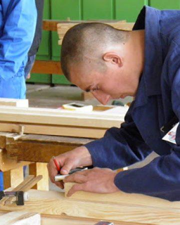 Верстатник деревообробних верстатів. Столяр будівельний